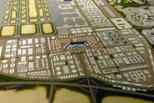 두바이와 파리 : 제국적 무역의 폭력과 도시