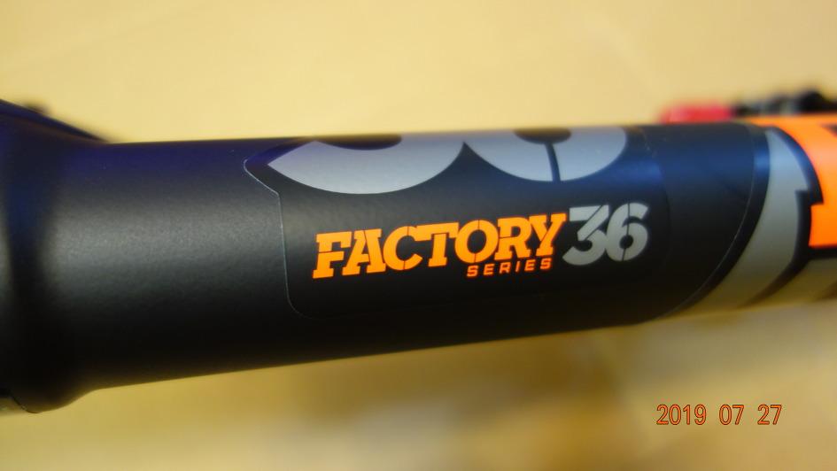 [2020] FOX 36 factory grip2 180mm 를 주문했다.