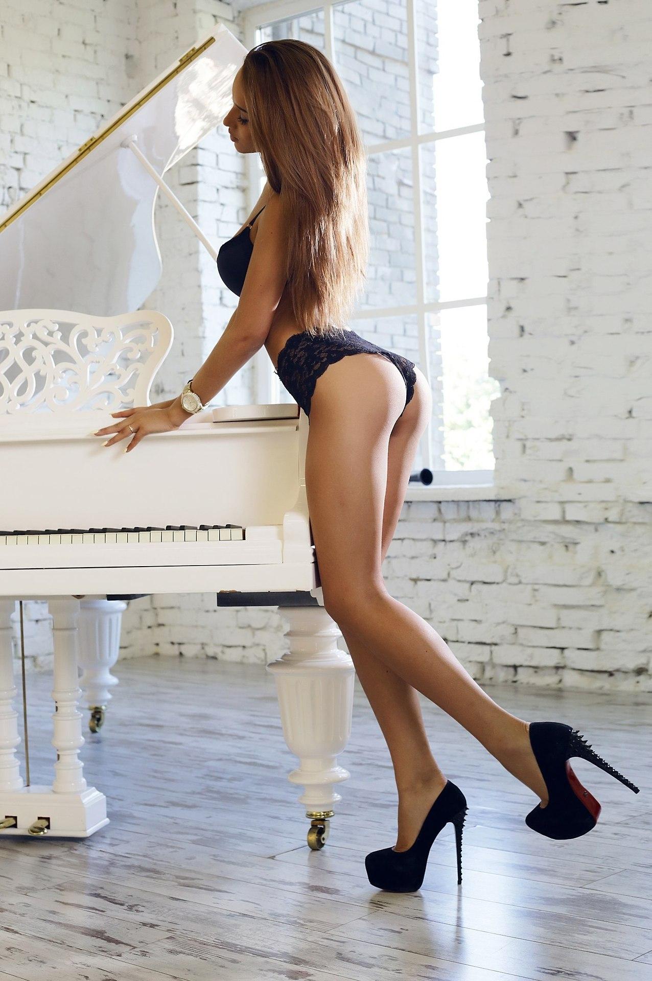 hot curvy girl in lingerie